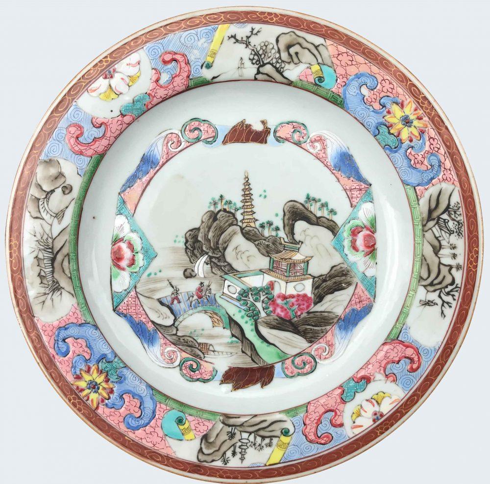 Famille rose Porcelain Yongzheng (1723-1735) or Qianlong period (1736-1795), circa 1730-1740, China