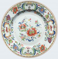 Famille rose Porcelain Yongzheng period (1723-1735) or Qianlong period (1735-1795), China