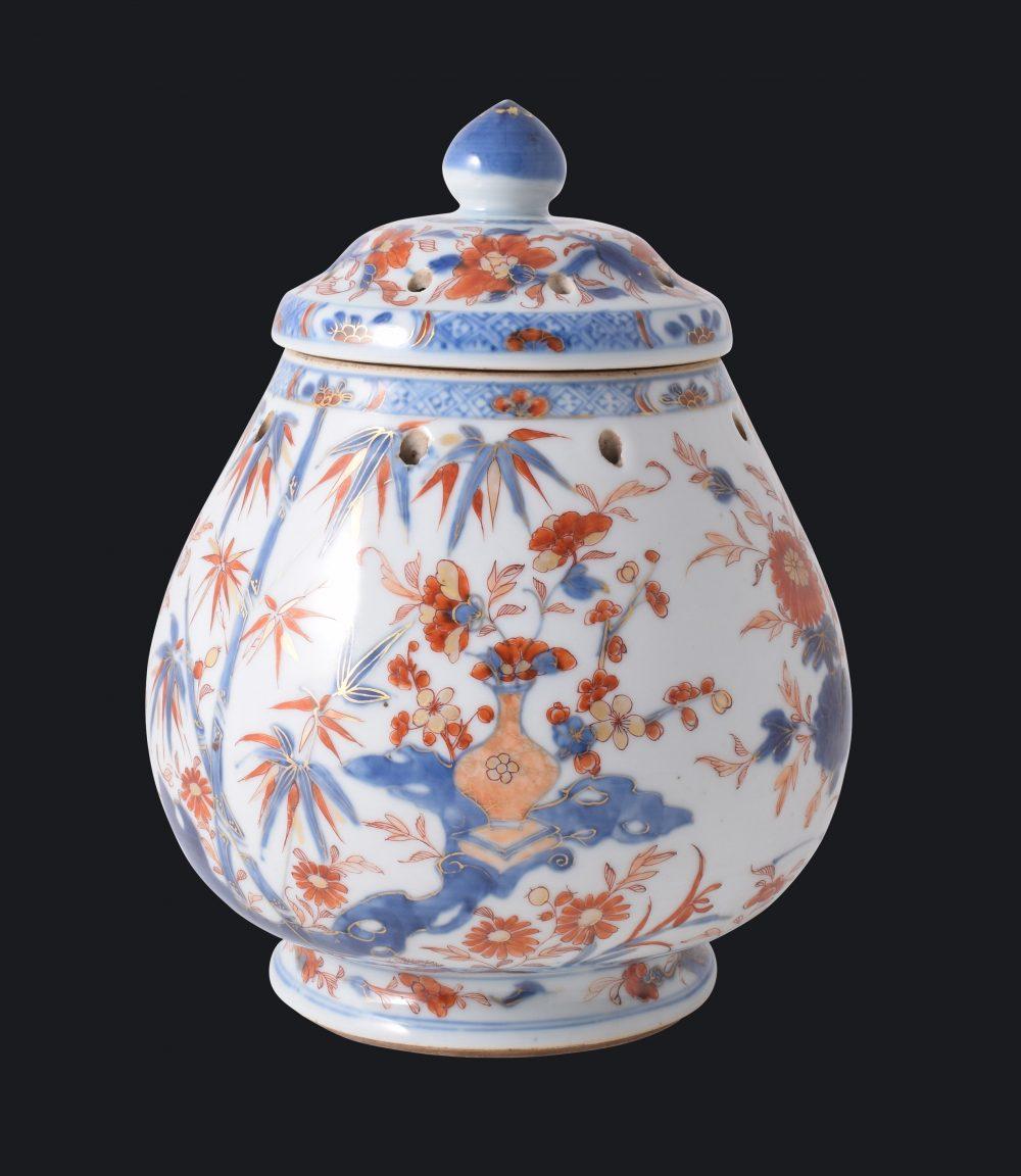 Porcelain Yongzheng period (1723-1735) or Qianlong period (1735-1795), ca. 1725/1750, China
