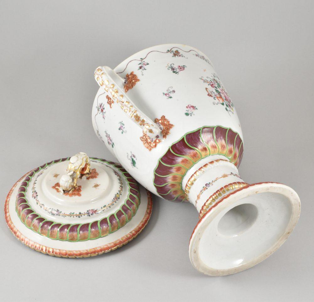 Porcelain Qianlong (1735-1795), circa 1780/90, China