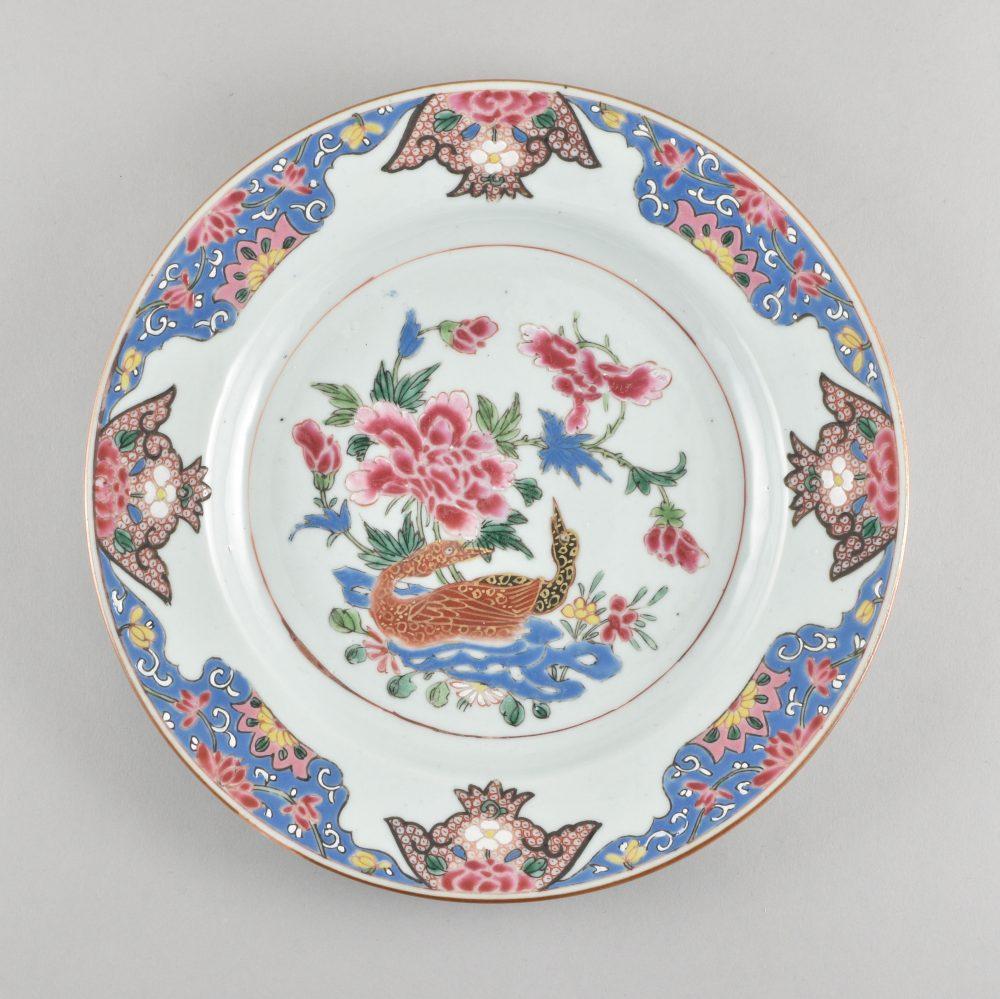 Famille rose Porcelain Yongzheng (1723-1735) / Qianlong (1736-1795), circa 1730/1740, China