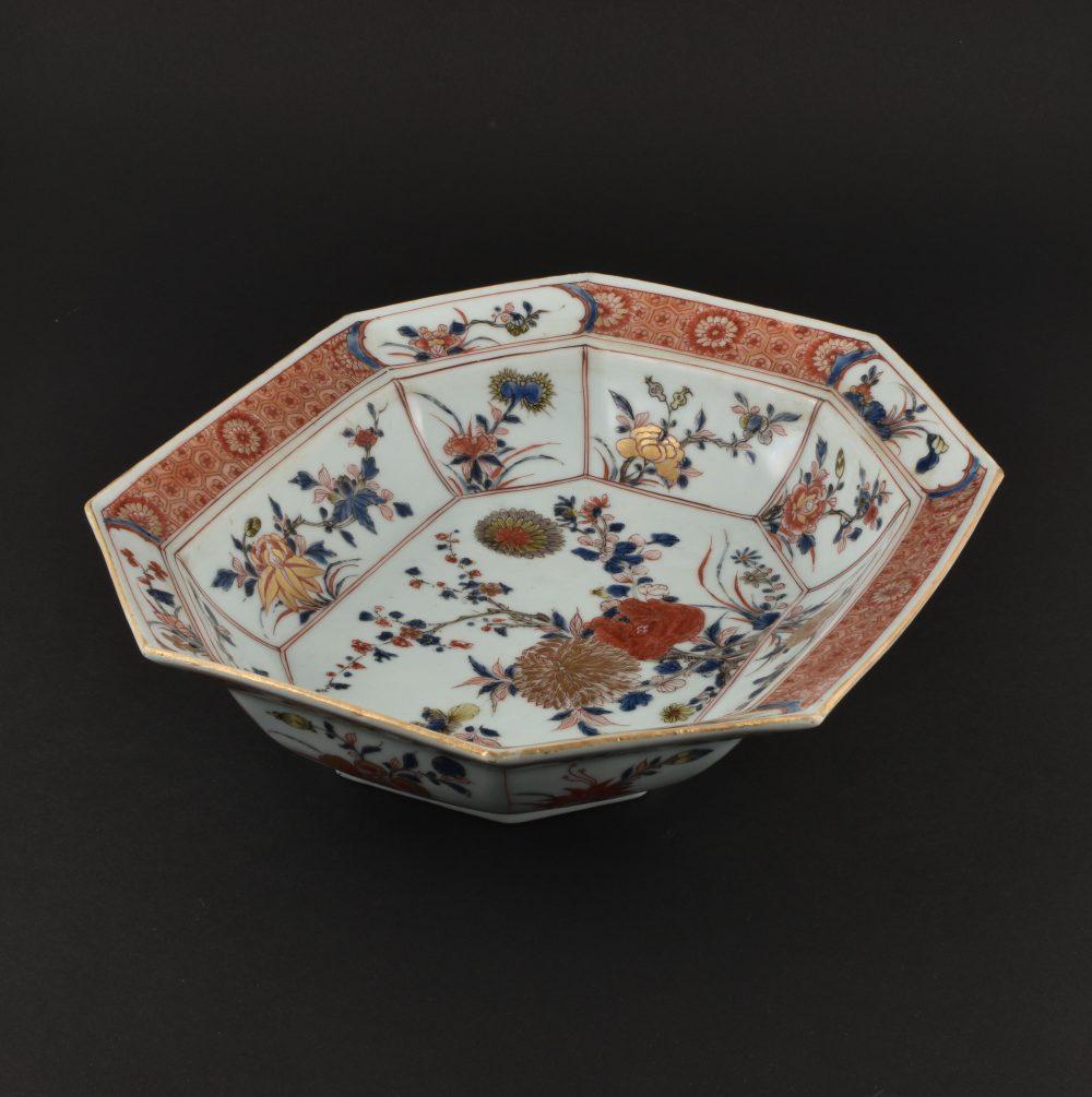 Porcelain Kangxi / Yongzheng period, ca. 1720/1725, China