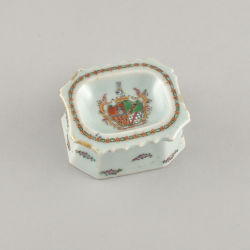 Porcelain Qianlong (1736-1795), ca. 1775, China (for the Portuguese market)